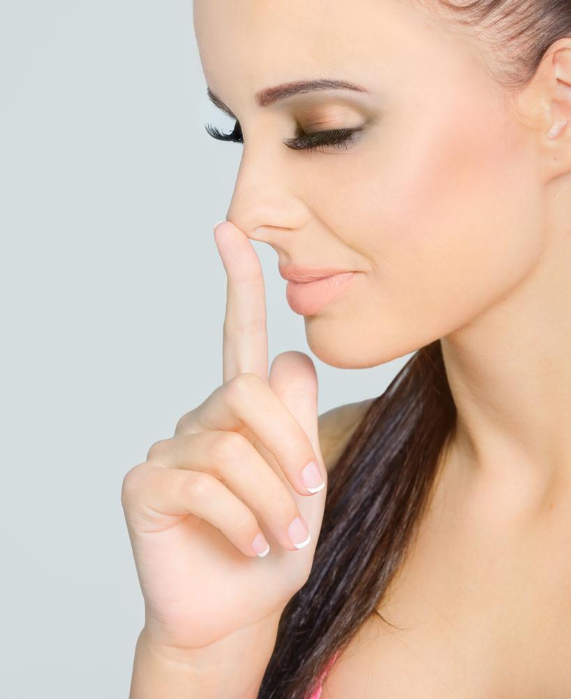 鼻 シリコンプロテーゼの美容整形